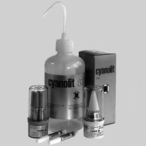 Cyanacrylester-Kleber für schwer klebbare Kunststoffe
