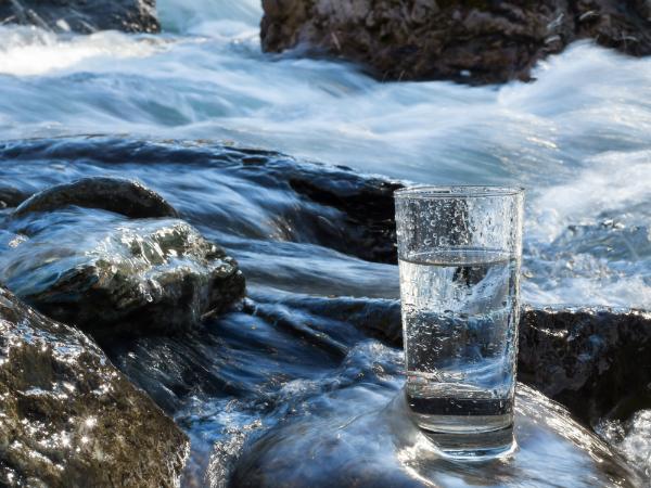 Natuerliches Wasser