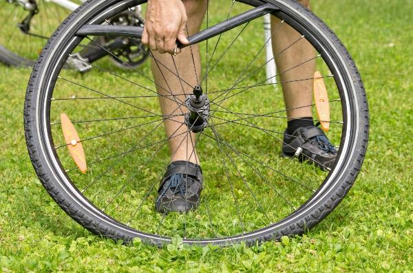 Fahrradschlauch ausbauen