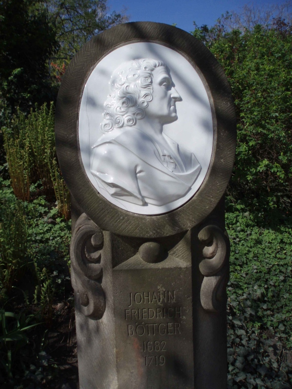 Denkmal fuer Johann Friedrich Boettger in Dresden