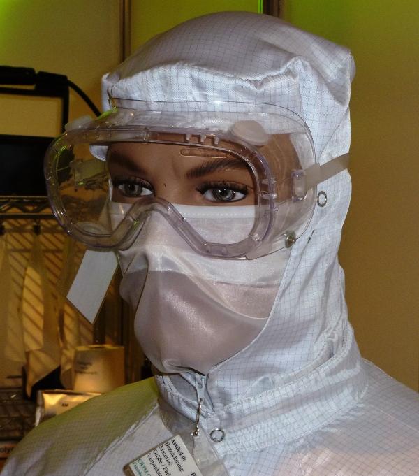 Typische Kopfbekleidung fuer Reinraumpersonal reinraeume