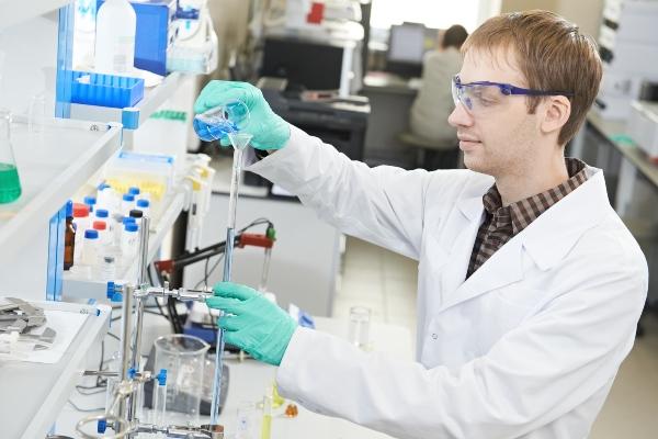 Grundausruestung im chemischen Labor EU-Leitlinien und die Sicherheit im chemischen Labor