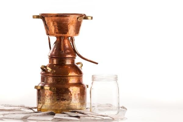 Destille zur Gewinnung aetherischer Oele