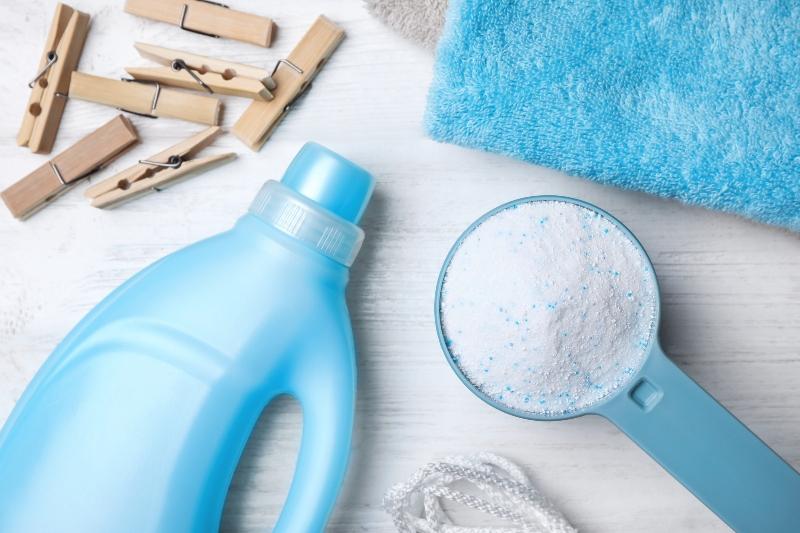 Ob beim Waeschewaschen, Geschirrspuelen oder Hausputz Tenside sind aus unserem Alltag nicht mehr wegzudenken Synthetische Tenside
