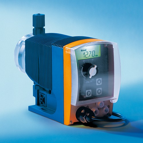 Magnet-Membrandosierpumpe aus PVDF - regelbar