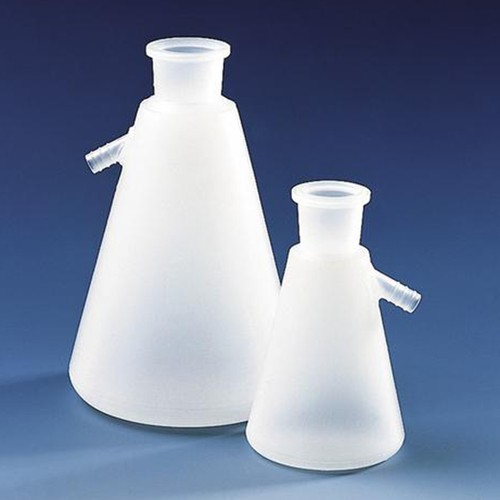 Filtering Flask made of PP